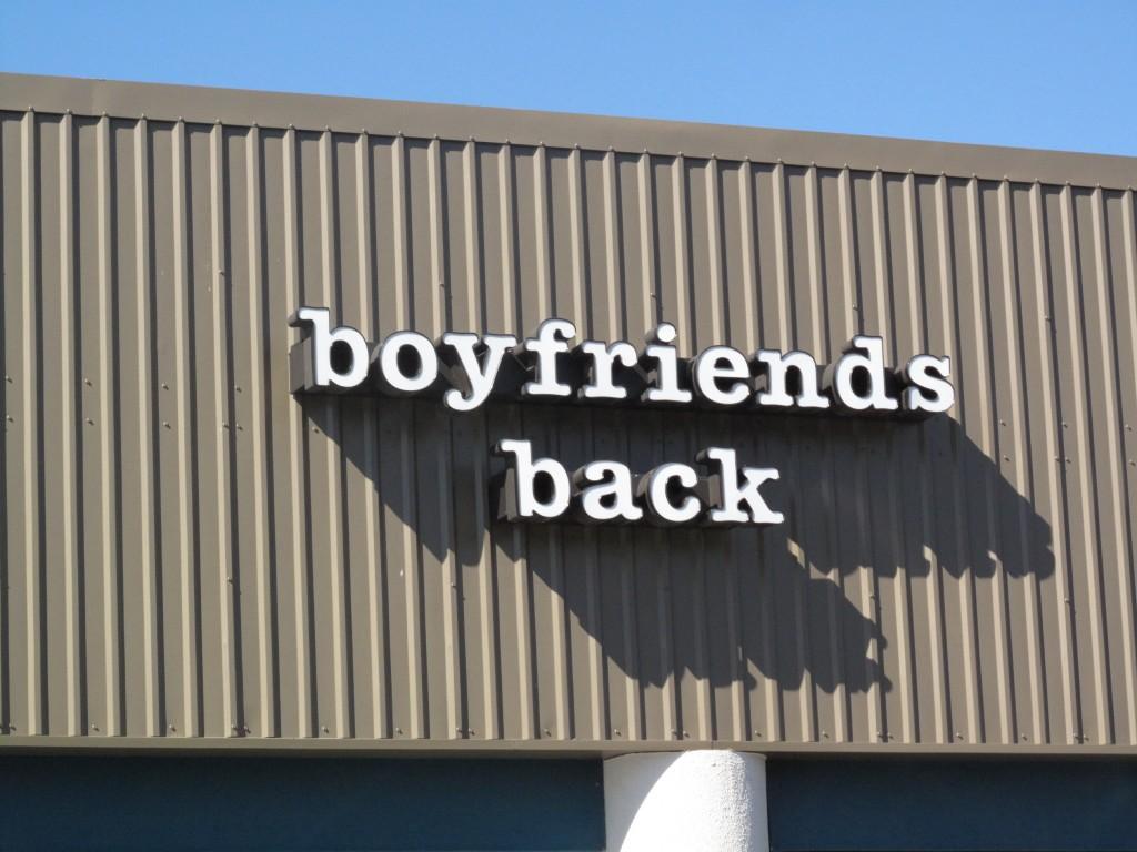 boyfriends back boutique